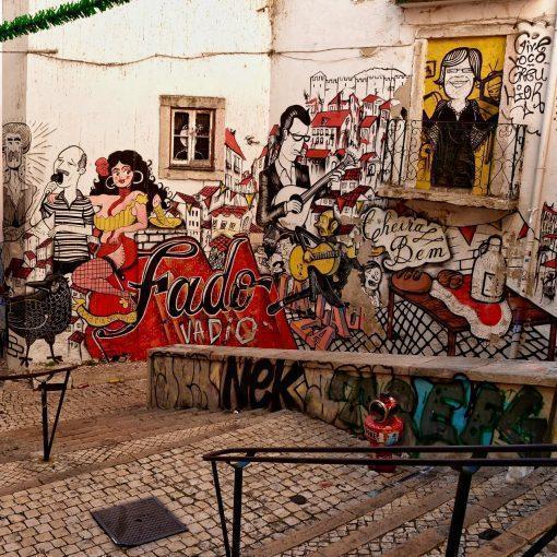 lisbon-street-art-bairro-alfama-fado-vadio