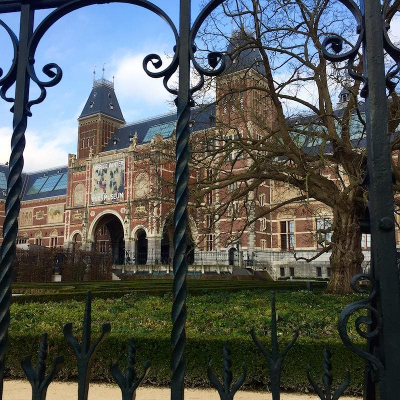 amsterdam-pijp-travel-hidden-gems-things-to-do-walking-tour-history-friends-couples-groups-activities