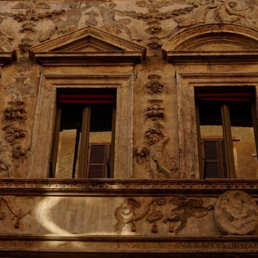 rome-buildings-travel-hidden-gems-things-to-do-walking-tour-history-friends-couples-groups-activities
