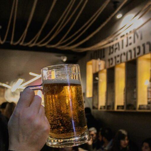 porto-portugal-pub-crawl-tour-actividades-de-grupo-amigos-cerveja-bares