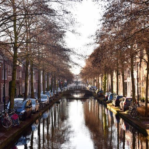 delft-netherlands-canals-walking-tour-history-friends-couples-groups-activities