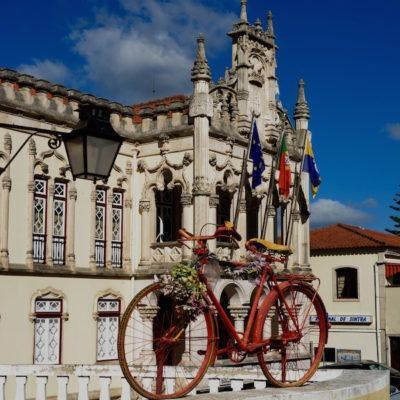 sintra-lisbon-portugal-town-hall-hidden-gems-walking-tour-history-friends-couples-groups-activities