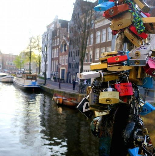 amsterdam-beer-pubcrawl-lockets-travel-hidden-gems-things-to-do-walking-tour-history-friends-couples-groups-activities